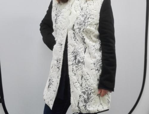 Margriet in eigen jasje van berkenstof